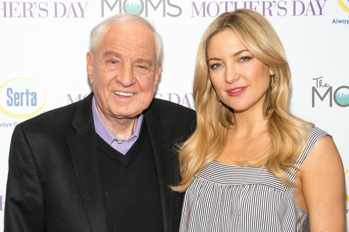 The MOMS & Serta's Mother's Day MAMARAZZI® With Kate Hudson & Garry Marshall