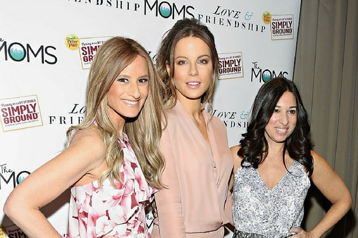 The MOMS & Peter Pan Simply Ground Peanut Butter's Love & Friendship MAMARAZZI® With Kate Beckinsale