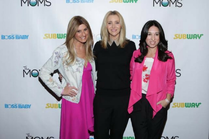 A Minute with The Moms: Lisa Kudrow